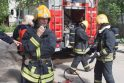 Sostinės ugniagesiai išgelbėjo senuką