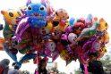 Azijoje triukšmingomis linksmybėmis sutikti Gyvatės metai