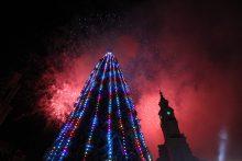 Įspūdingas Kalėdų eglės įžiebimas pritraukė tūkstančius kauniečių