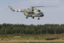 Kariuomenės sraigtasparniai gesina gaisrus Latvijoje ir Švedijoje