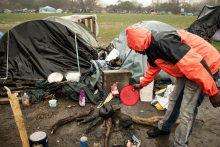 """Prancūzijoje planuojama perkelti 1000 migrantų iš """"Džiunglių"""" stovyklos"""