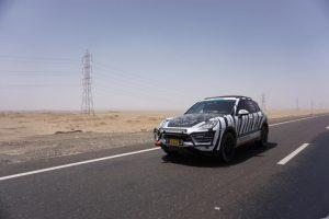 """V. Milius su """"Porsche"""" jau įveikė pusę rekordinės kelionės atstumo"""