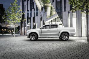 """Mercedes-Benz"" pristatė pirmąjį X klasės pikapą"