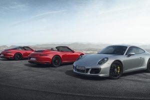 """Nauji """"Porsche 911 GTS"""" modeliai – daugiau galios ir įspūdžio"""