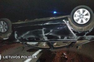 Nuo policijos sprukęs vairuotojas sukėlė avariją