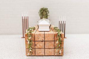Kaip keičiasi laidotuvių tradicijos?