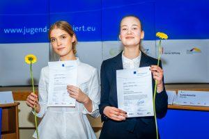 """Nacionaliniame konkurse """"Tarptautiniai jaunimo debatai"""" nugalėjo kaunietė"""