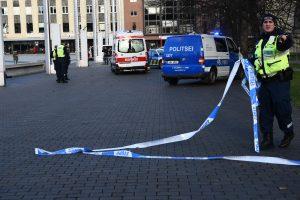 Talino centre policija nušovė peiliais ginkluotą vyrą