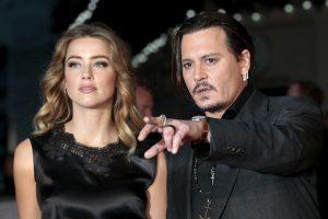 Buvusios J. Deppo žmonos gina jį smurto skandale