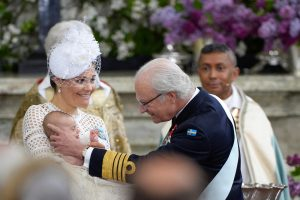 Švedijoje švenčiamos karališkojo kūdikio krikštynos
