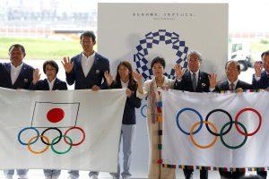 Tokiją pasiekė 2020-ųjų olimpiados vėliava