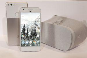 """""""Google"""" pristatė išmanųjį telefoną """"Pixel"""" su dirbtinio intelekto funkcija"""
