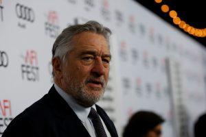 Aktorius R. De Niro palaiko protestus prieš D. Trumpą