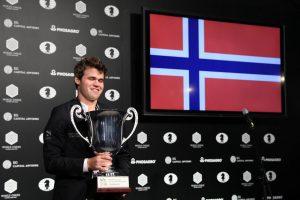 M. Carlsenas apgynė pasaulio šachmatų čempiono titulą