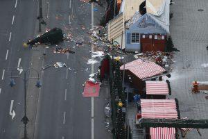 Vokietijos policija dėl atakos kalėdinėje mugėje ieško tunisiečio