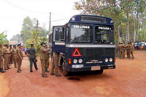 Šri Lankoje per kalėjimo autobuso apšaudymą žuvo septyni žmonės