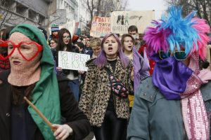 Feministės ragina Ukrainą sugrąžinti Moters dienai tikrąją prasmę