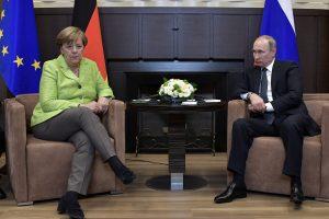 A. Merkel po derybų su V. Putinu paminėjo esminius nuomonių skirtumus dėl Ukrainos