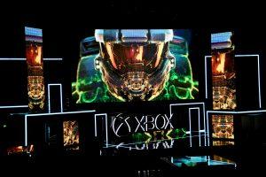 """""""Microsoft"""" pristato galingiausią vaizdo žaidimų kompiuterį"""