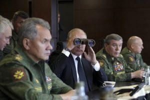 V. Putinas naujai kadencijai ruošiasi imituodamas pasirengimą karui