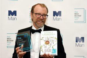 """""""Man Booker"""" premija skirta JAV rašytojui G. Saundersui"""