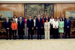 Ispanijoje prisaikdinta nauja vyriausybė, kurioje dirbs rekordiškai daug moterų