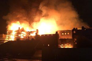 Škotijoje didžiulis gaisras nuniokojo prestižinę Glazgo meno mokyklą