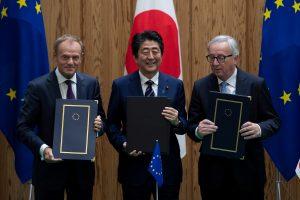 ES ir Japonija pasirašė istorinę laisvosios prekybos sutartį