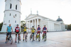Lietuvių ambicija – dviračiais aplink Baltijos šalis per penkias dienas
