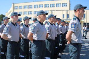 Mokslo metų pradžia Policijos mokykloje – su kareiviška koše