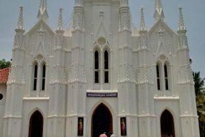 Indijoje atidengta paminklinė lenta vyskupui M. Šostakui
