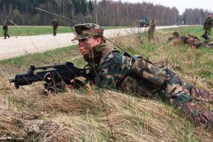 Savanoriai dalyvavo karinėse pratybose
