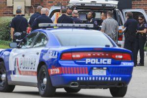 Teksase per šaudymą žuvo du ir buvo sužeisti dar 22 žmonės