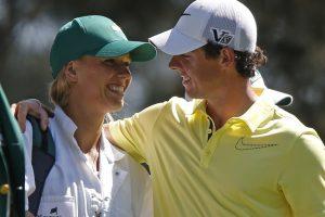 Golfo žvaigždė R. McIlroy Naujųjų išvakarėse pasipiršo draugei tenisininkei