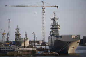 """Egiptas ruošiasi pirkti Rusijai neperduotus """"Mistral"""" laivus"""