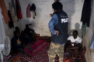 Ekspertas: pabėgėliai gali padėti neįsitraukti į radikalias grupuotes
