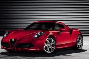 """""""Alfa Romeo 4C"""" Vokietijoje išrinktas geriausiu sportiniu automobiliu"""