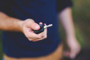 Daugiau nei pusė lietuvių rizikuoja įsigyti vogtą automobilį