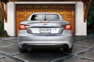 """""""Chrysler"""" ir """"Fiat"""" keičia pavadinimą"""