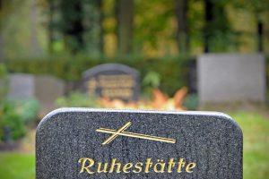 Nacių karo nusikaltėlis E. Priebke palaidotas Italijos kalėjimo kapinėse
