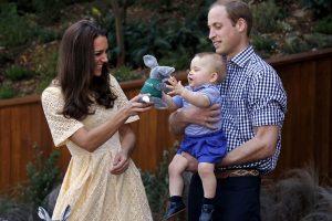 Britų karališkoji šeima oficialiai perspėjo mažąjį princą persekiojantį fotografą