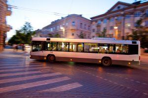 Vilniuje naktiniams autobusams per naktį reikės apie 1,2 tūkst. keleivių