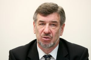Privačių interesų dar nedeklaravo 30 parlamentarų konsultantų