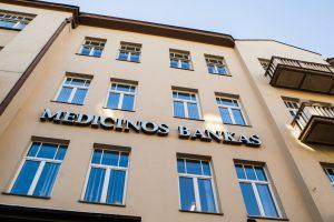 Medicinos banko pelnas sumažėjo 7 kartus