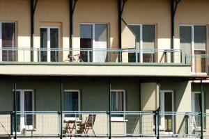 Liko vienas žingsnis iki draudimo rūkyti daugiabučių balkonuose