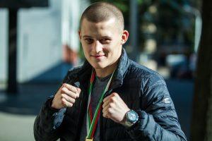 Boksininkas E. Stanionis pratęsė pergalių seriją profesionalų ringe