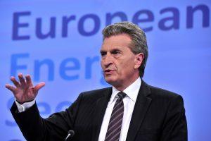 ES energetikos komisaras: Rusija ir Ukraina preliminariai susitarė dėl dujų