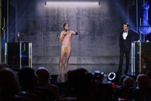 Prancūzų aktorius nuogas pasirodė apdovanojimų teikimo ceremonijoje