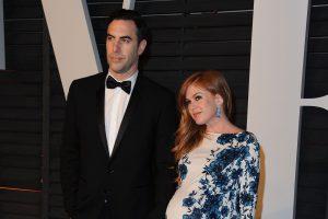"""""""Borato"""" žvaigždė Sacha Baronas Cohenas trečiąkart tapo tėčiu"""