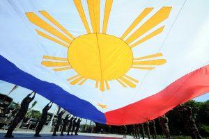 Filipinuose apvirtus keltui, žuvo mažiausiai 33 žmonės